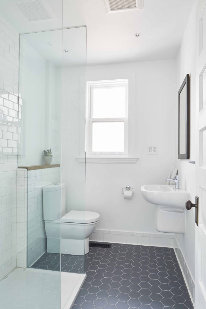 Winchester Residence Ensuite bathroom remodelling - Robyn Huether Architect