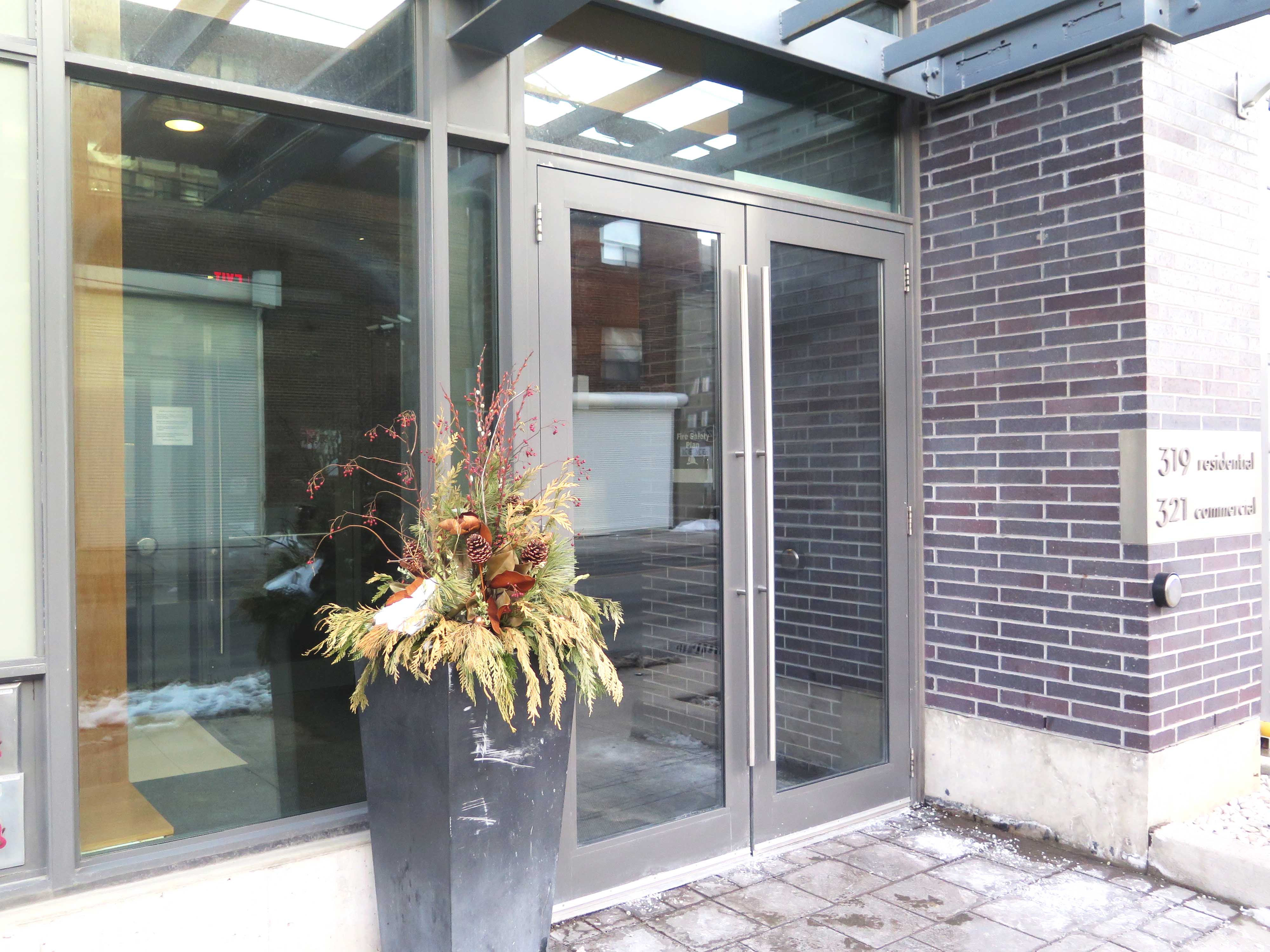 Robyn Huether Architect new office - 206 Carlaw - Toronto, ON